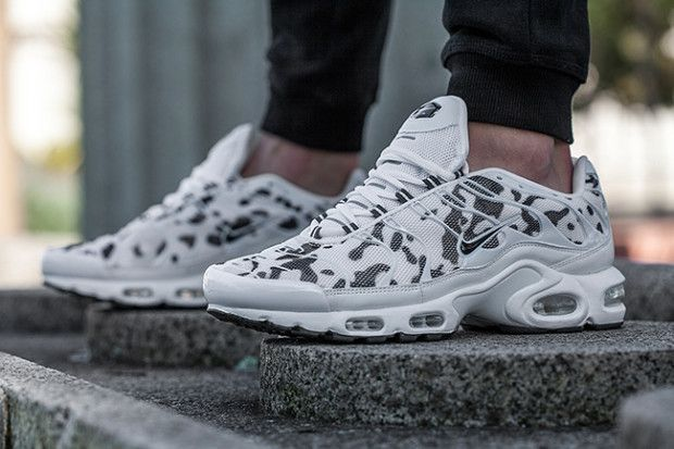 Winter Ready Camo Colorways Hit The Nike Air Max Plus Sneakernews Com Nike Air Max Nike Free Shoes Running Shoes Nike