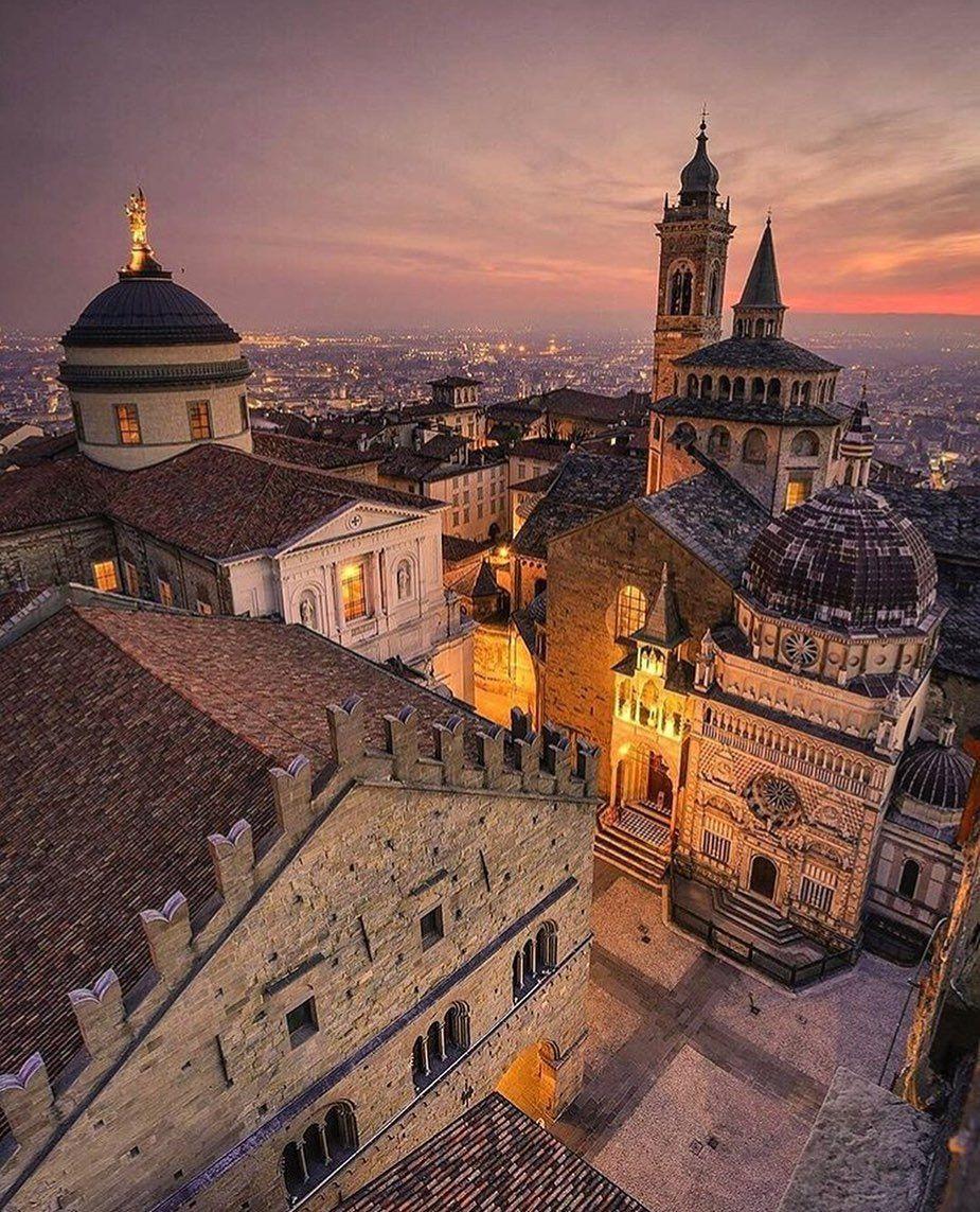 Piazza Vecchia in Bergamo just beautiful. (con immagini