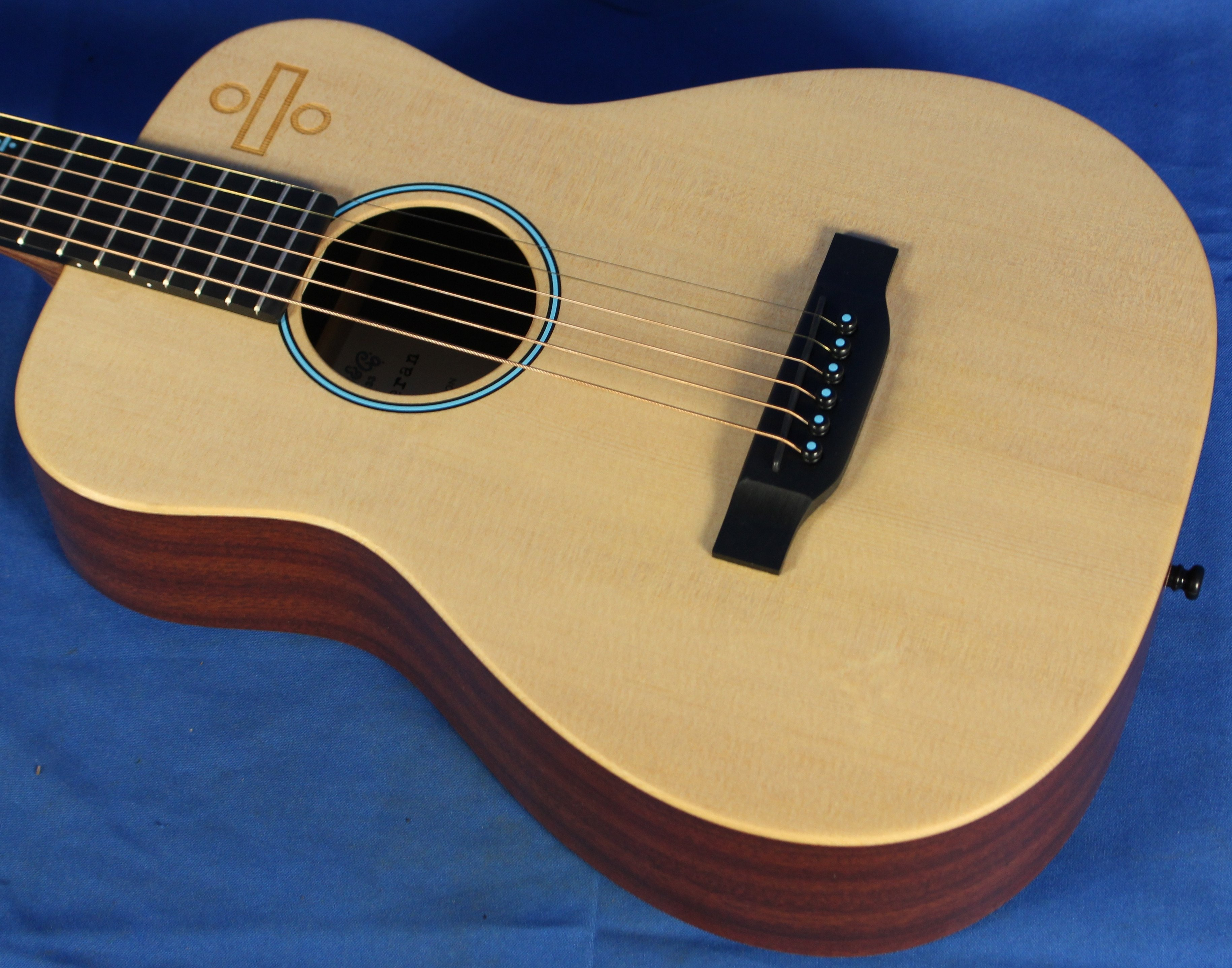 Welcome You Are Looking At A Great Piece This Is The Martin Ed Sheeran Divide Signature Edition Acoustic Electric Ed Sheeran Acoustic Electric Guitar Guitar