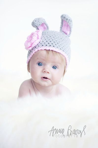 Beautiful crocheted hat for her baby  100% Acrylic  Handmade    The hat is great for newborn photography    The hat is crocheted receipt and sent.  ...