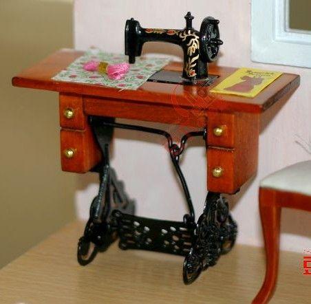 1:12 Scale Dollhouse Mini Sewing Machine Miniatures Furniture DIY Toys