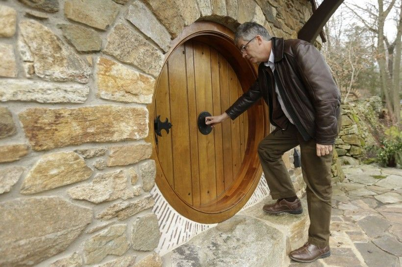 Architecture : Hobbit House Design With Tiny Round Front Door Hobbit House Wood Door Hobbit House Stone Wall Hobbit House: Lets Build Our Own Eco Architecture From 'Lord of the Rings' Hobbit House Designs. Tiny Hobbit House. Hobbit House Wood.