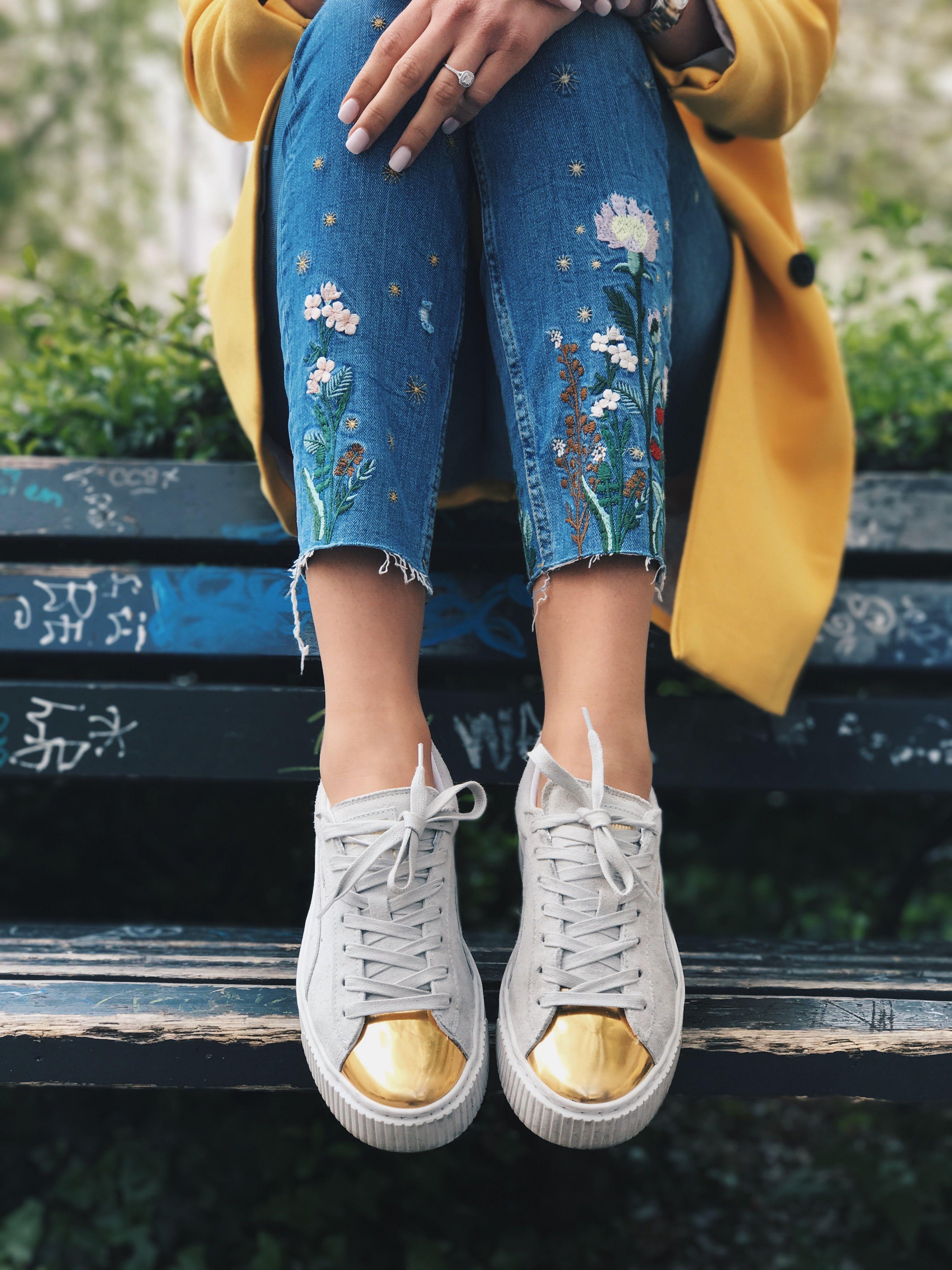 sommertrends 2017 bestickte jeans mit puma sneaker mode pinterest bestickte jeans puma. Black Bedroom Furniture Sets. Home Design Ideas
