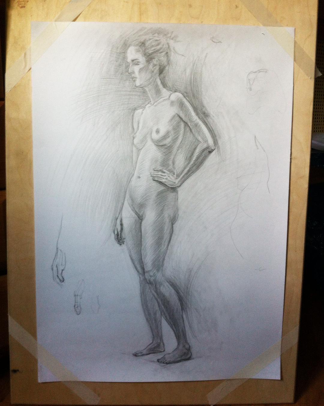 Рисунок на несколько занятий. Что успела. Можно было бы ещё продолжить, много недоделанного, но на следующем занятии будет уже другая модель. #drawing #draw #artwork #artoftheday #art #artist #nude #nudemodel #instaart #artstagram #ню #обнаженка #обнаженнаянатура #рисунок #рисуноккарандашом