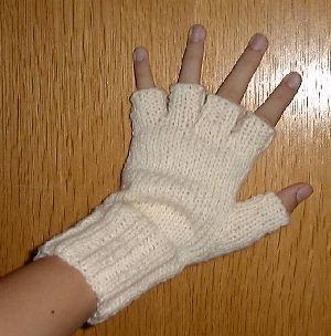 Mitaines à doigts du site Abracadafil | Mitaines tricot, Tricot et crochet, Tricot