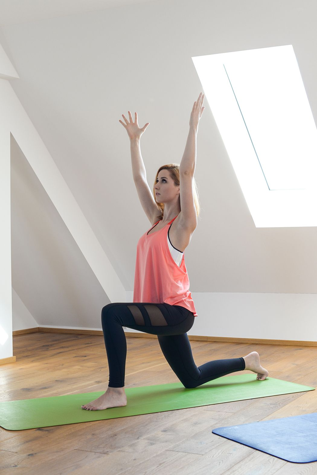 Yoga für Anfänger mit Calyana Yoga anfänger, Yoga, Fitness
