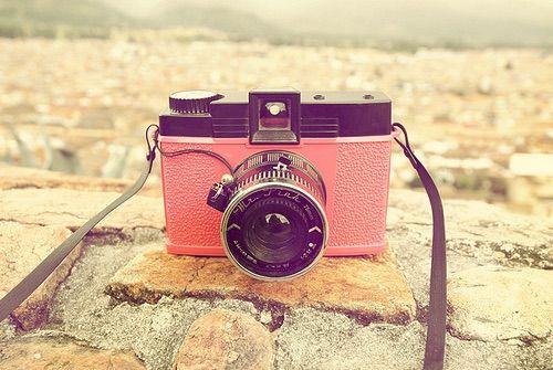 Imagen vía We Heart It https://weheartit.com/entry/148607445/via/28376238 #camera #colors #love #pastel #photografy #pink #vintage #photoo