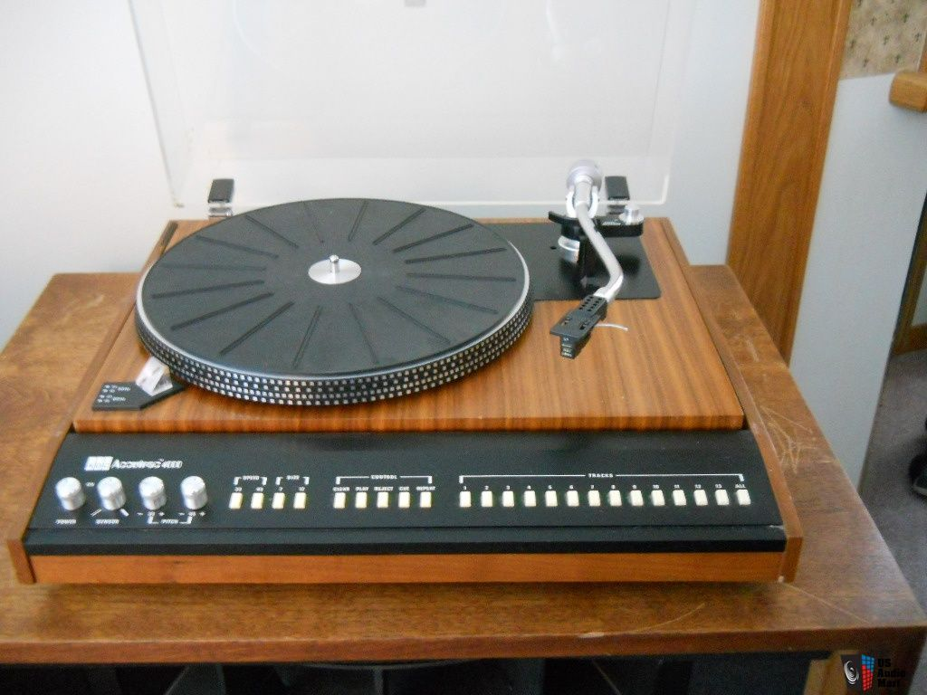Attractive One Of The Few Turntables Capable Of Skipping Tracks, Together With Revox