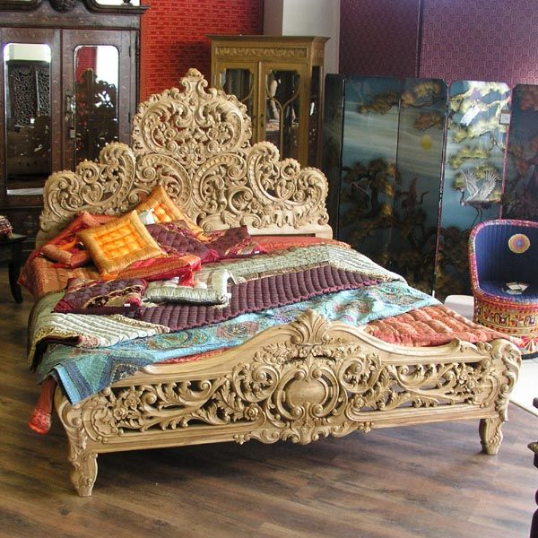 Hand Carved King Or Queen Bed Of Solid Wood With Gold Leafs Decors From A Castle Distinctive For Its Traditional Properties Antiques Reproduction Beds
