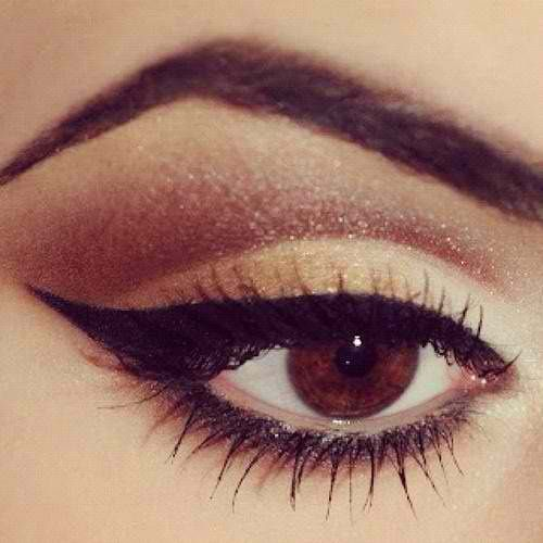 This is a beautiful Cat eye using browns & golds...check out my website marykay.ca/kimberlyRcarlson & purchase the colours you will need to get this look! If your not sure which ones email me through my website!.~Kimberly Robyn