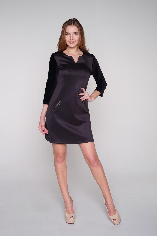 Маленькие черные платья из бархата