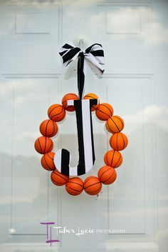 Basketball bash decoration - wreath with initial - #basketball #party #sports