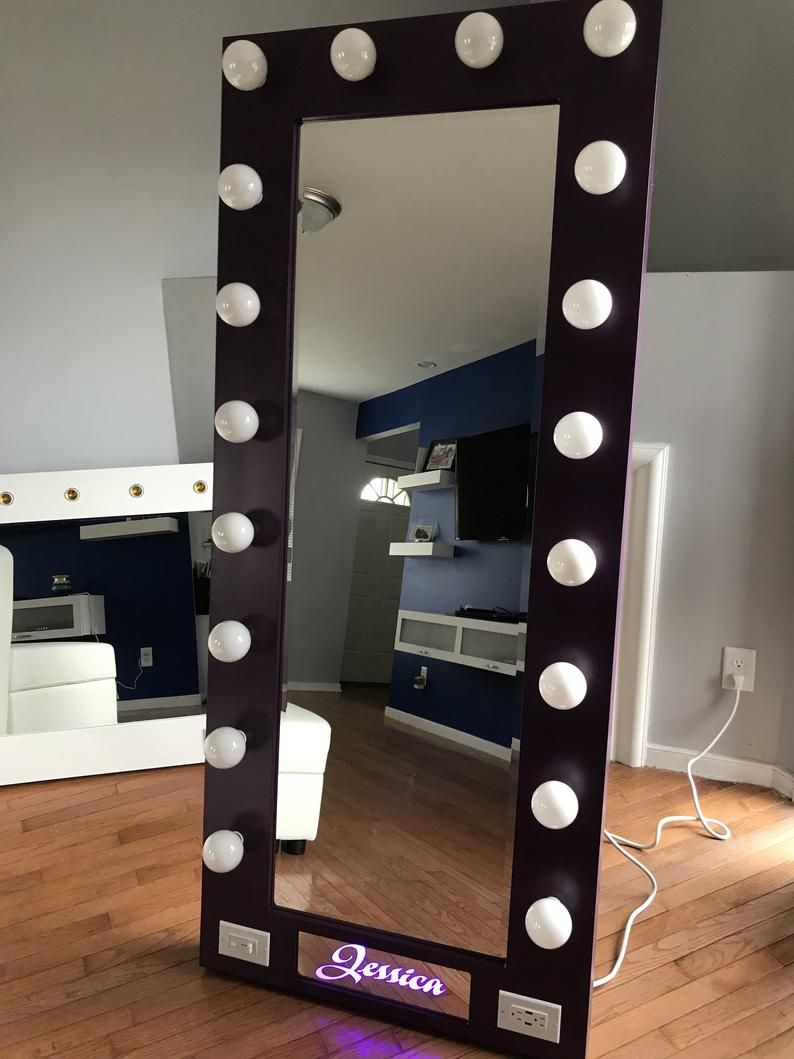 Hollywood Vanity Mirror with NAME