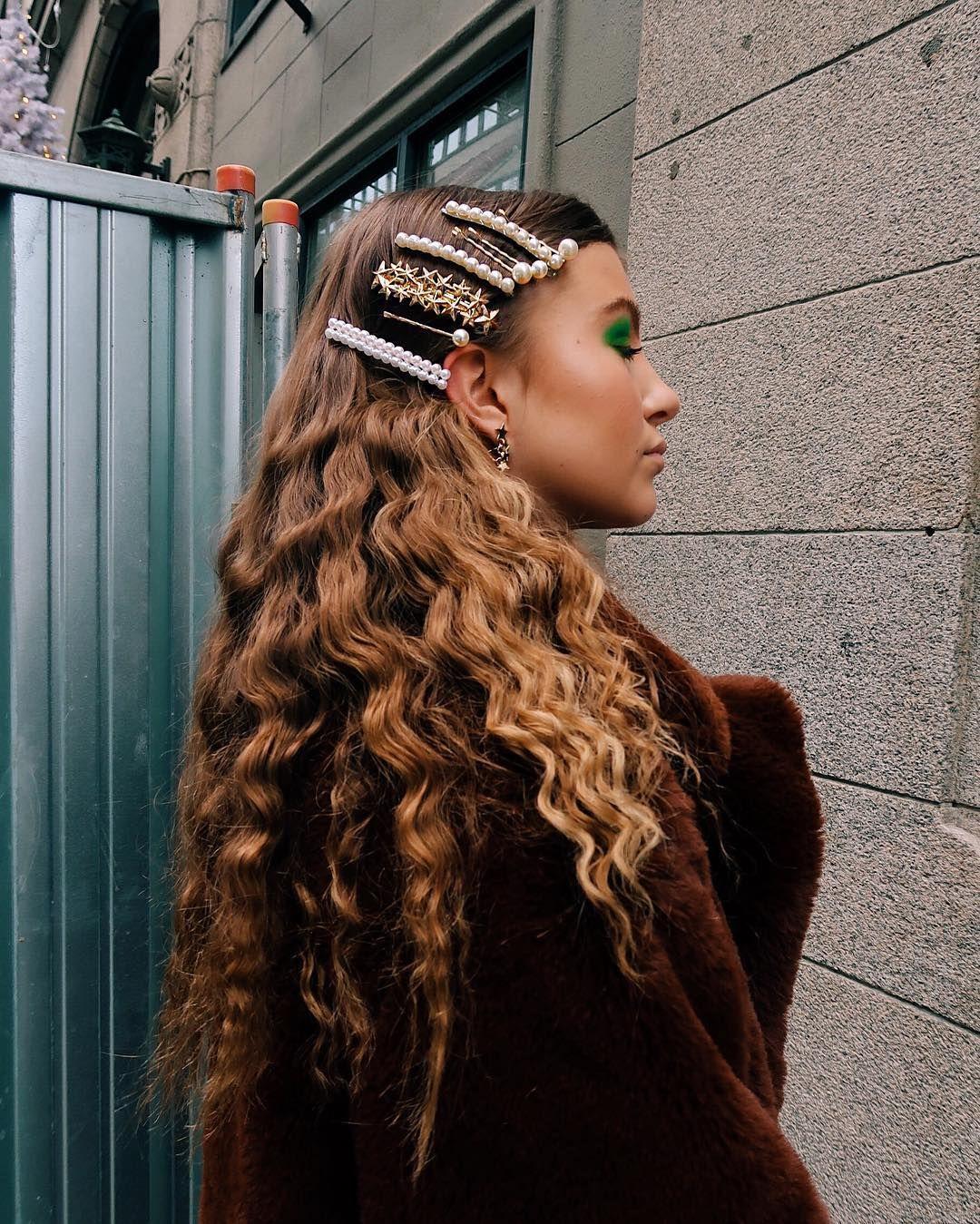 Das Sind Die 5 Schonsten Frisuren Der Influencer Fur Weihnachten Haar Styling Styling Kurzes Haar Hubsche Frisuren