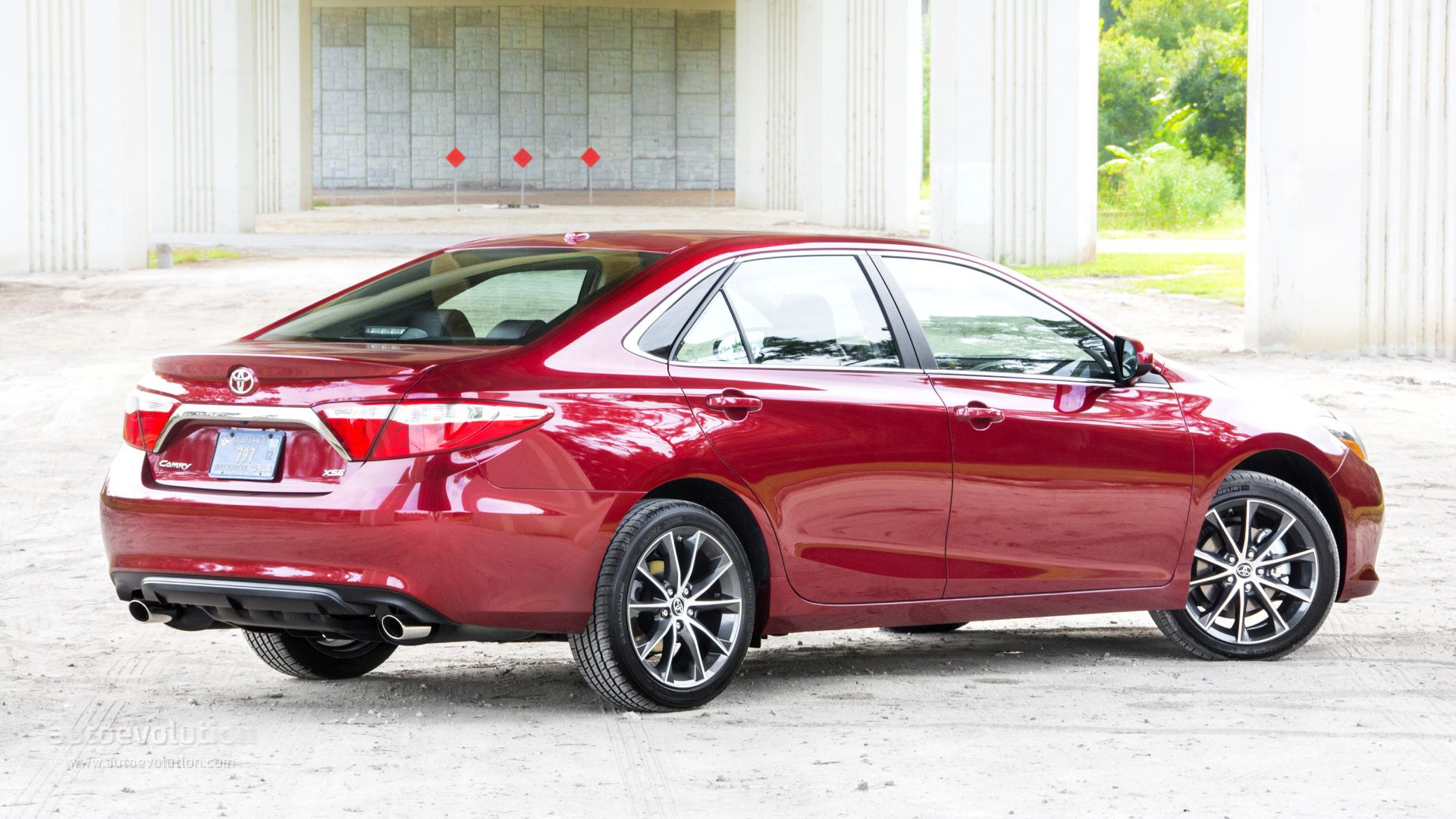2015 toyota camry review http www autoevolution com reviews