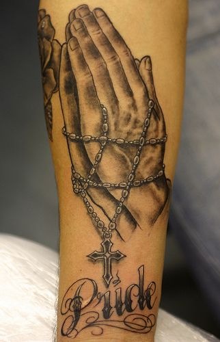 Praying Hands With Rosary Praying Hands Tattoo Praying Hands Tattoo Design Arm Tattoos For Guys