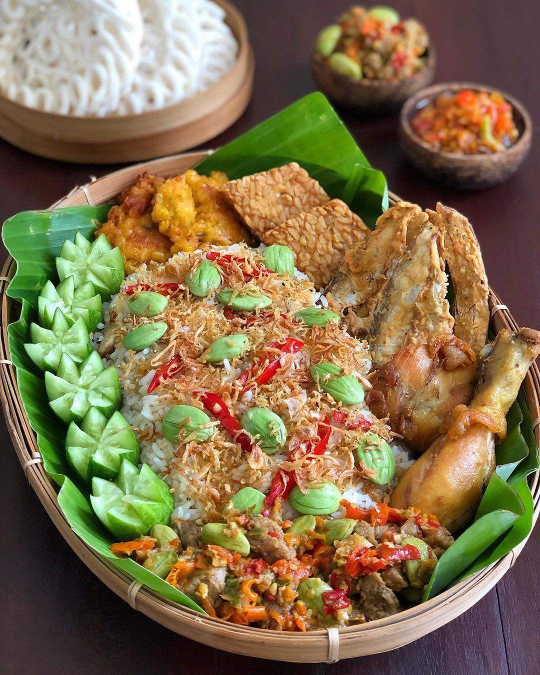 Mrs Wijaya Met Maksi Mantemans Pingin Nasi Liwet Bikin Cm Sedikit Jadi Pke Rice Cooker Aj Biar Makin Gurih Di 2020
