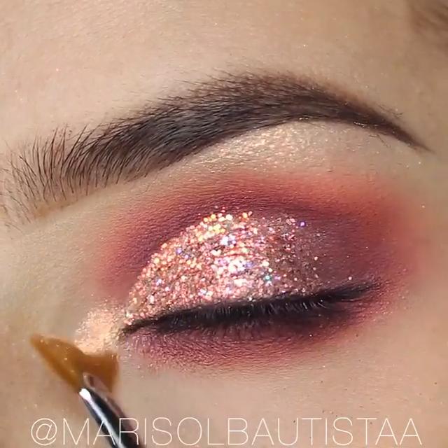 Easy Eye Makeup Tutorial! #glittereyemakeup