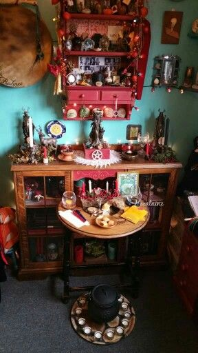 Stunning Solstice Altar from Paige Primrose Lumpkin. - Pinned by The Mystic's Emporium on Etsy