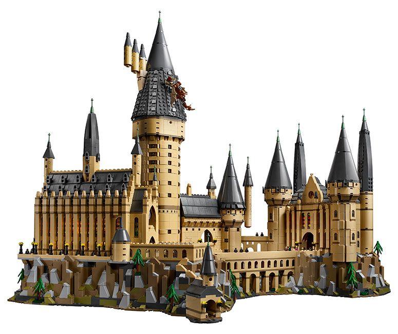 Massive Lego Harry Potter Hogwarts Castle Over 6 000 Pieces Lego Hogwarts Hogwarts Castle Harry Potter Hogwarts Castle