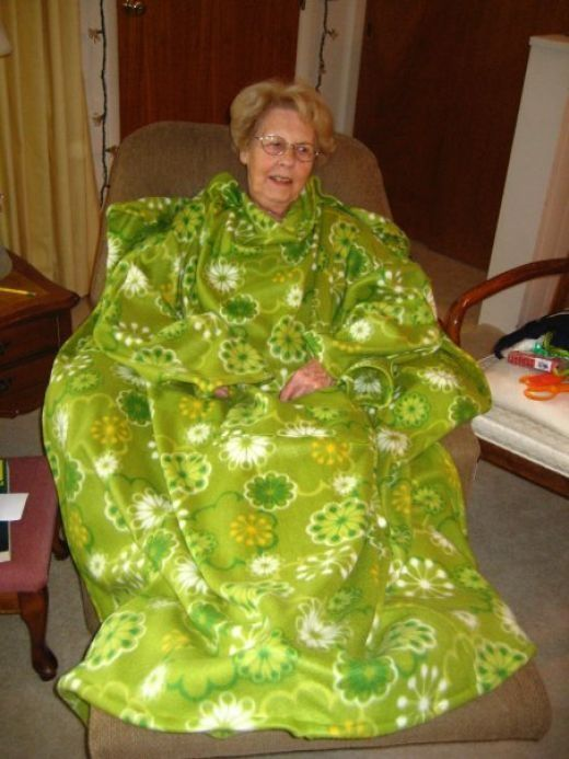 How to make a snuggie @ Do It Yourself Remodeling Ideas ...