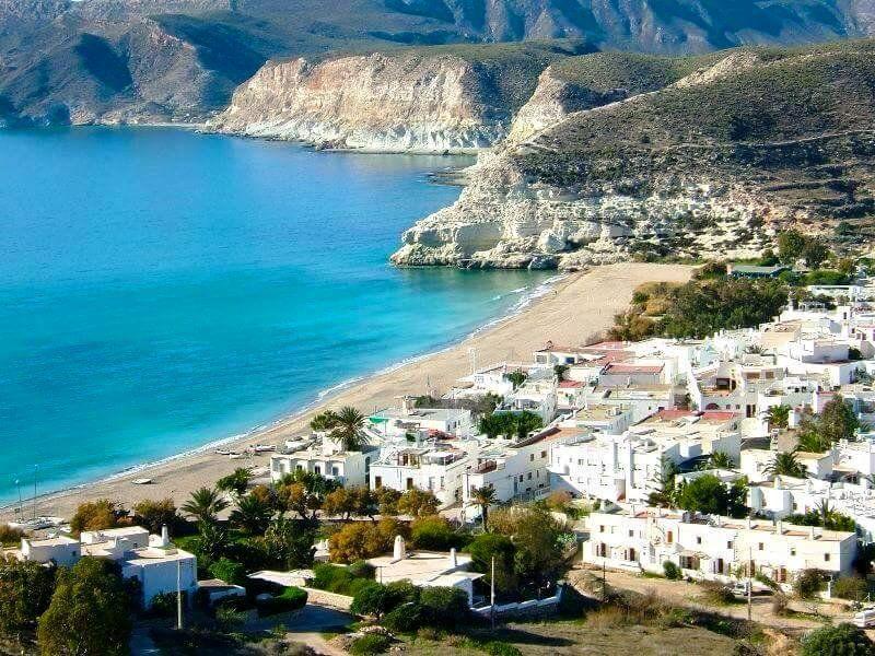 Playa de agua amarga en Nijar, Almería - Viajar por España desde tu casa. Los mejores sitios | Viajar por españa, Almería, Cabo de gata almeria