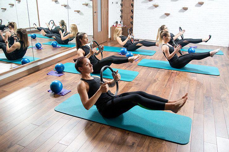 Помогает Ли Фитнес Йога Похудеть. Польза йоги для похудения для начинающих в домашних условиях, программа занятий для красивой фигуры