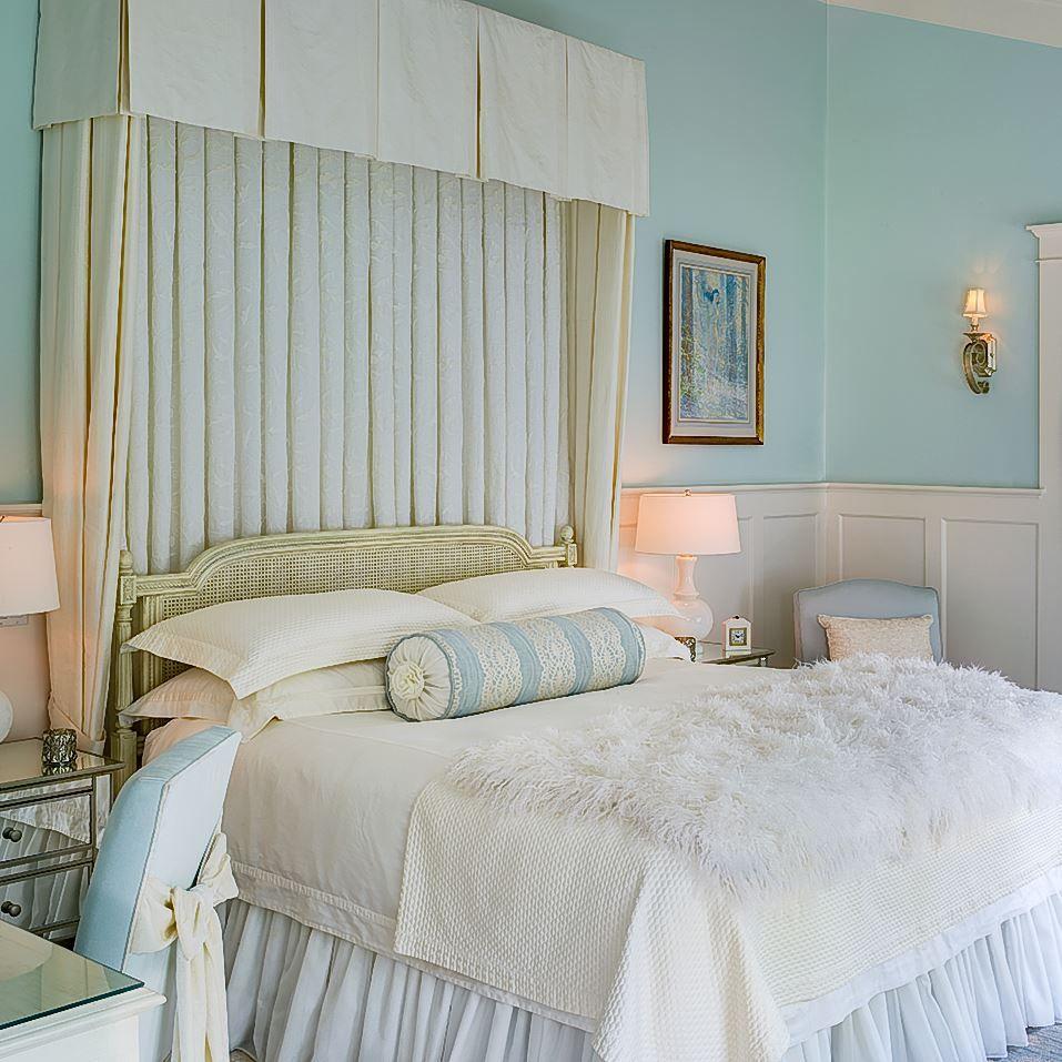 Traditional romantic master bedroom decor  zen bedroom  Decor  Pinterest  Bedrooms Apartment ideas and