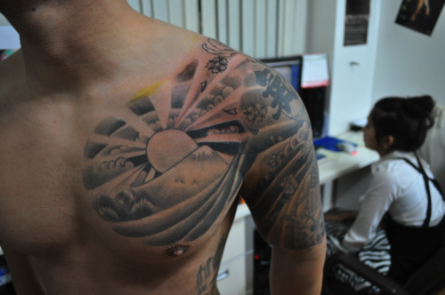 Japanese Rising Sun Tattoo Design Google Search Tatoo Pec