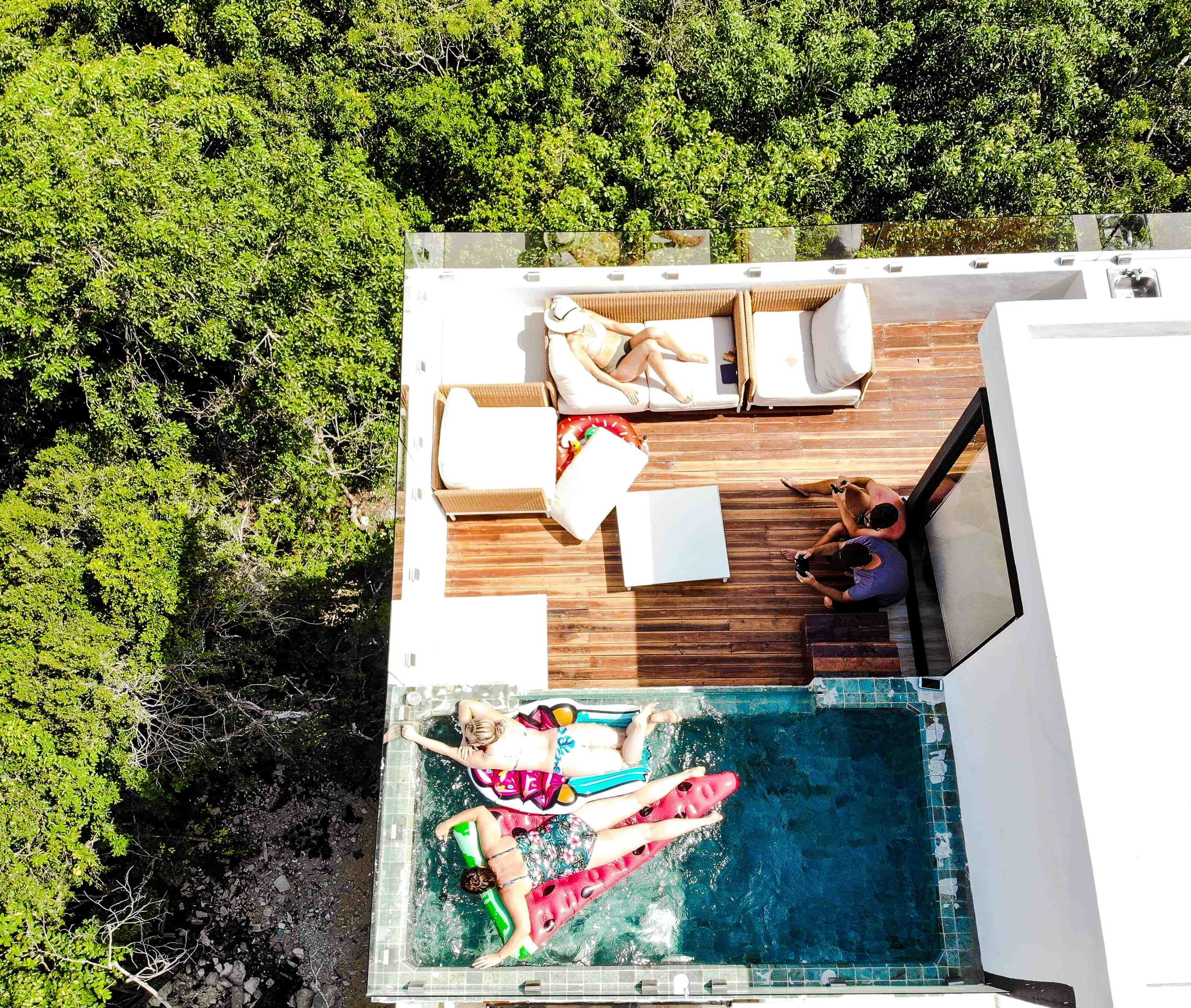 Airbnb Penthouse In Tulum Mexico Herlifeadventures Blog Luxurytravel Airbnb Penthouse Mexico Traveldestinatio Rooftop Pool Rooftop Design Jungle House