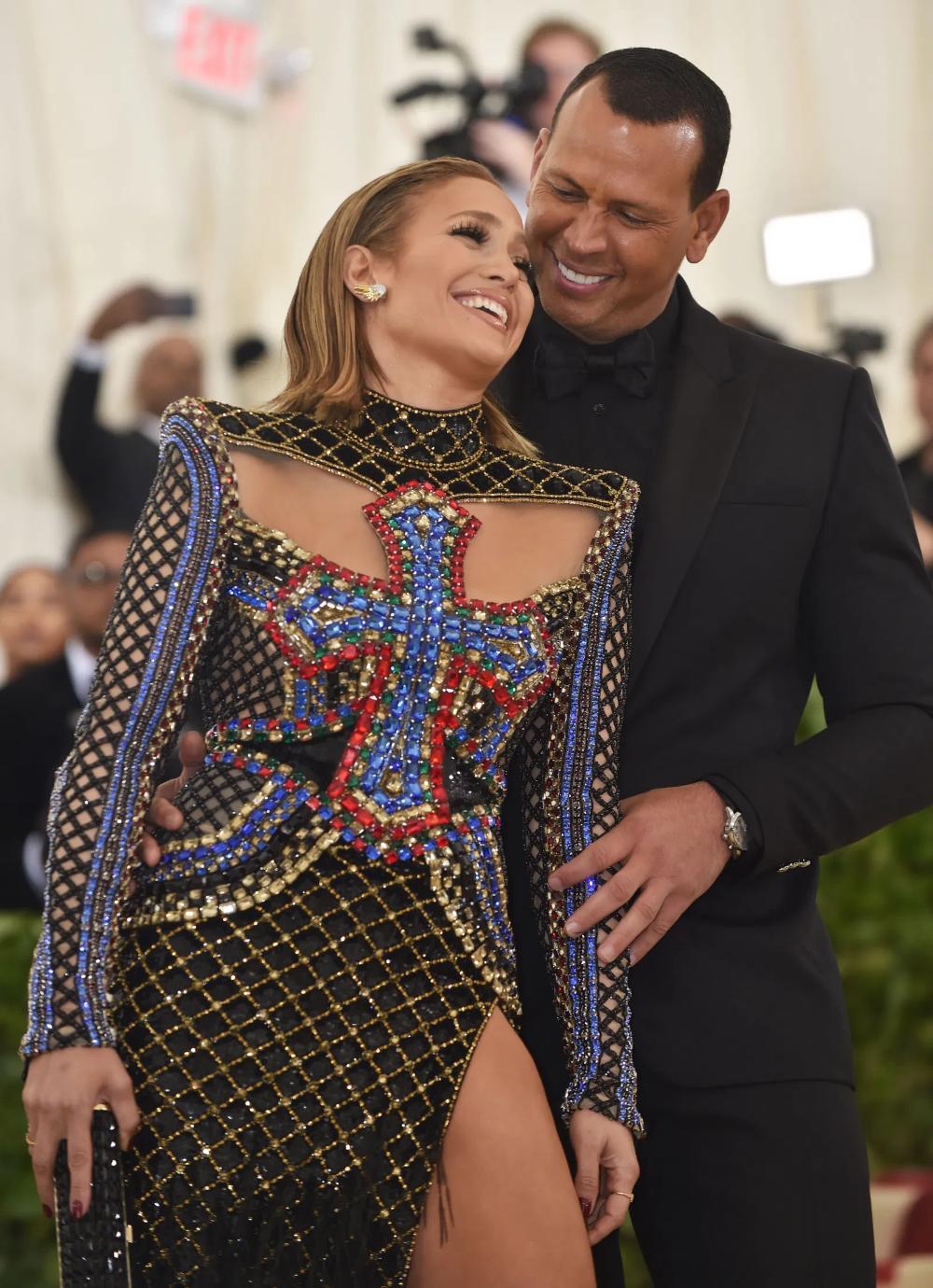 Cant-Miss Celebrity Pics! | Jennifer lopez photos, Dress