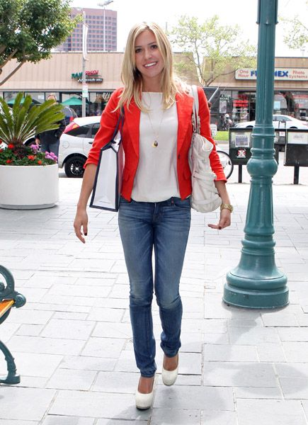 Great way to wear a bright colored blazer. Keep everything else simple and let the orange pop!
