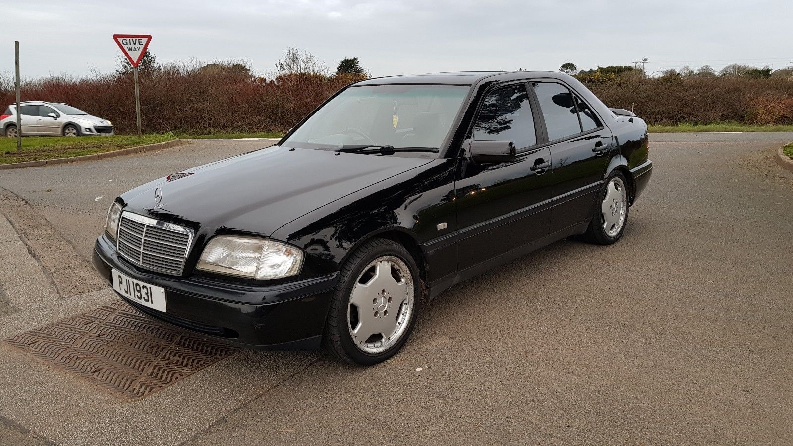 ebay 1995 mercedes c220d w202 retro old school extensive history [ 1600 x 900 Pixel ]