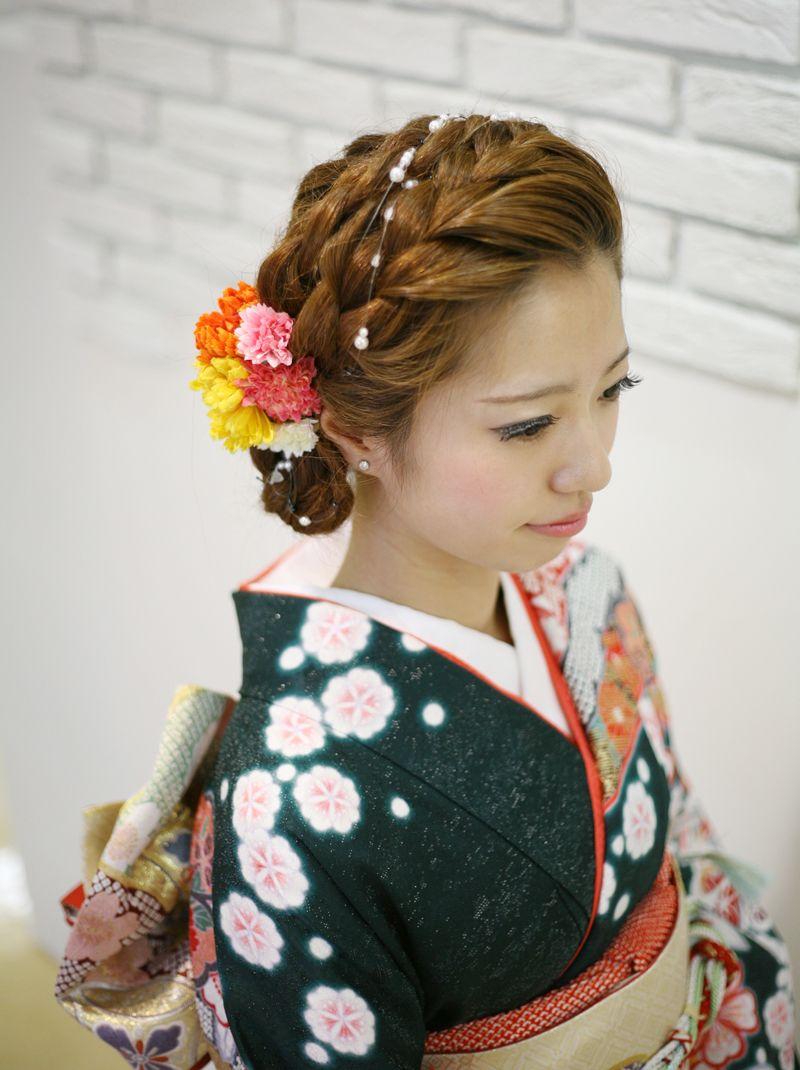 今回はWedding Tipsより【和装】のためのお呼ばれヘアスタイルをお届けします!和装スタイルで行われることも多くなってきた結婚式。ゲストとして着物などの和服で参加