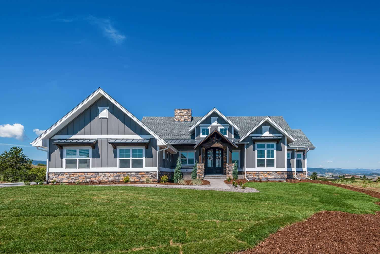Ranch House 2–4 Bedrms 2 5–4 5 Baths 2744–4613 Sq Ft Plan 161 1126