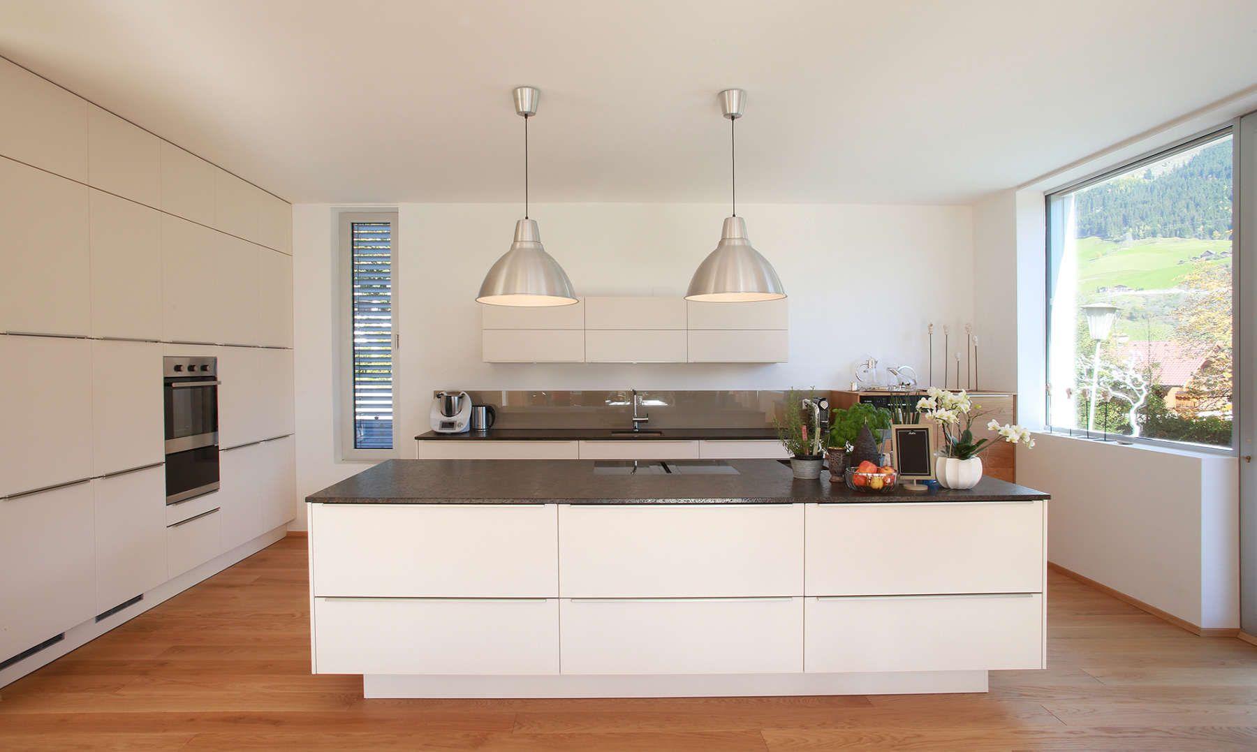 Moderne Kuchen Gfrerer Kuchen Qualitatsmobel In 2020 Moderne Kuche Kuchendesign Und Kuchen Design