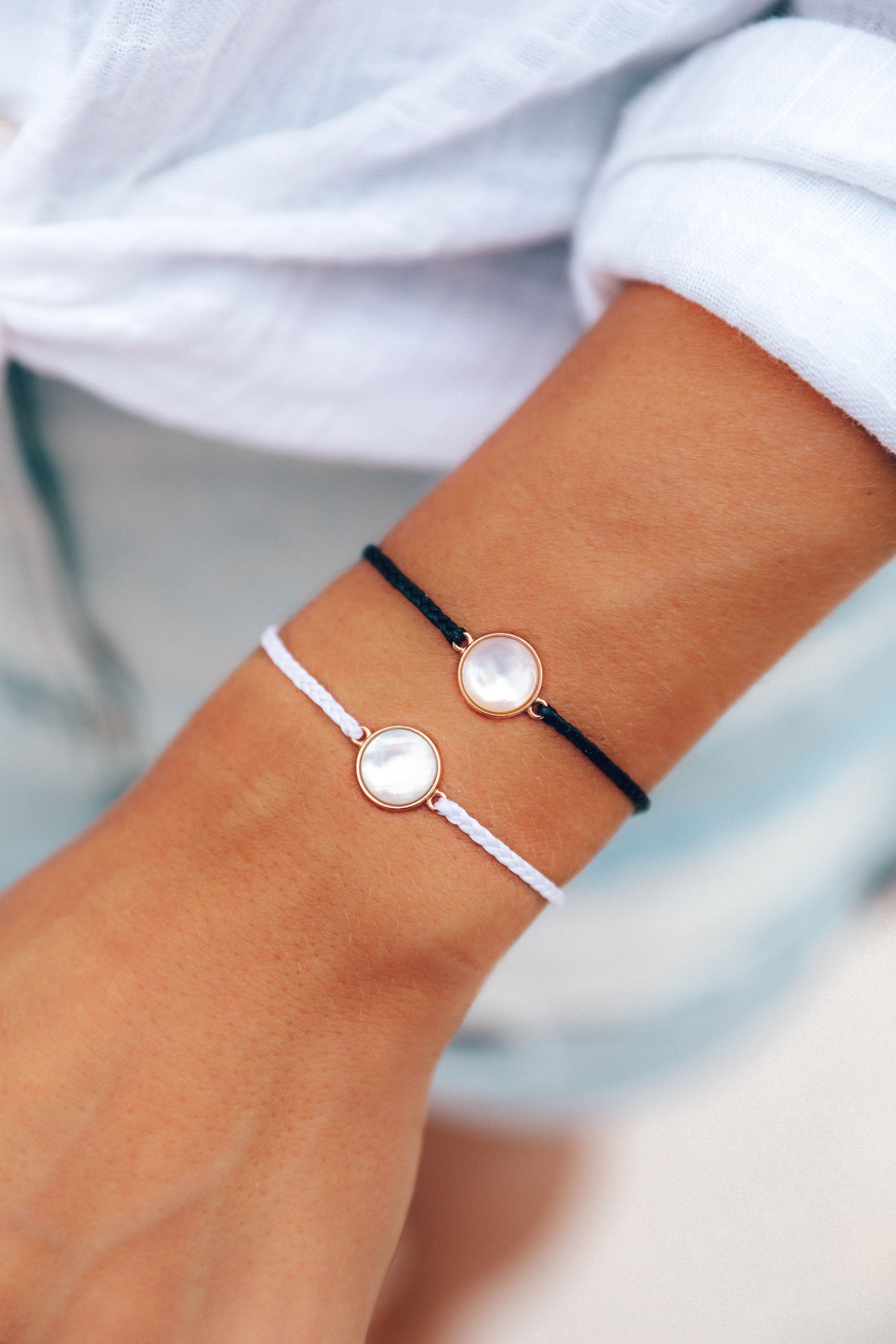 Our Best Selling Riviera Bracelet Is Back With A New Design In Two Classic Colors Black And White It Features A P Pura Vida Bracelets Pura Vida Cute Bracelets