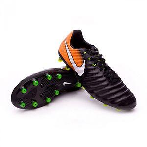 Find this Pin and more on chuteiras nike by sonkdj. See more. Confira as principais  ofertas de Chuteiras Nike Tiempo Futsal na Nike Store. 9c624ea4443bb
