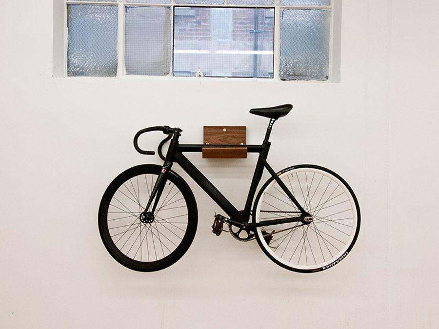 An Der Wand Befestigte Fahrradstander Die Beim Praktizieren