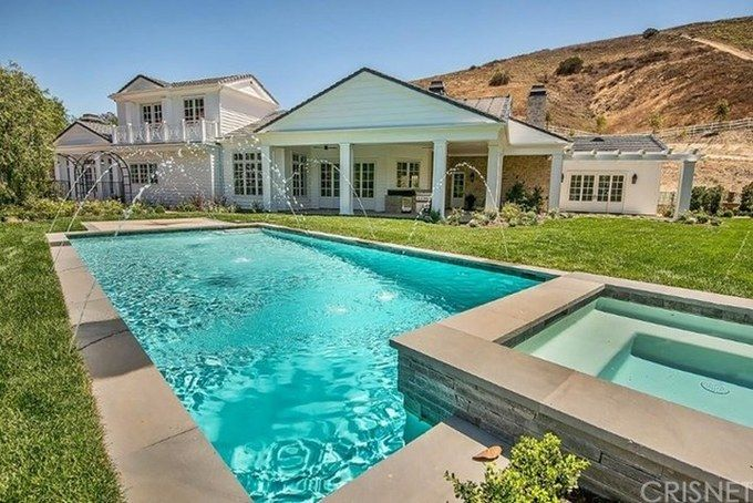 Check Out Kylie Jenner S New Home With A Closet So Big You Could
