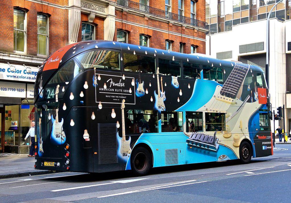 Pin By Loesvanbeugen On Guangzhou Bank London Bus Bus Coach Double Decker Bus