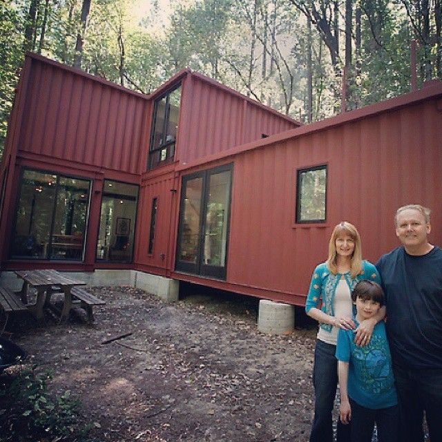 Containerhome in the Redwoods. Really awesome Project ...