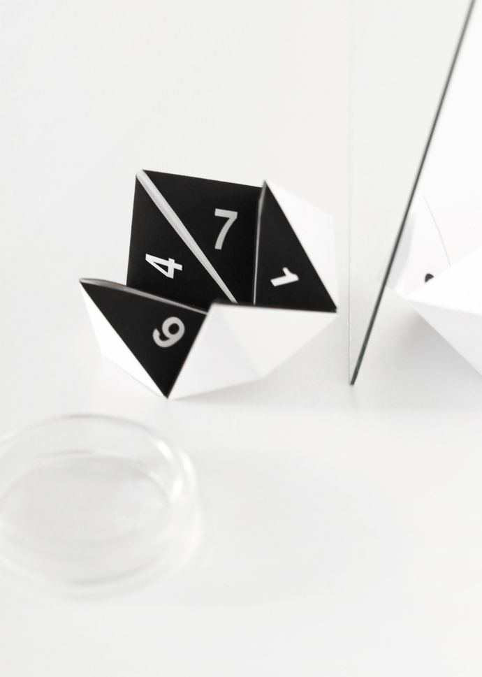 DIY: paper cootie catcher