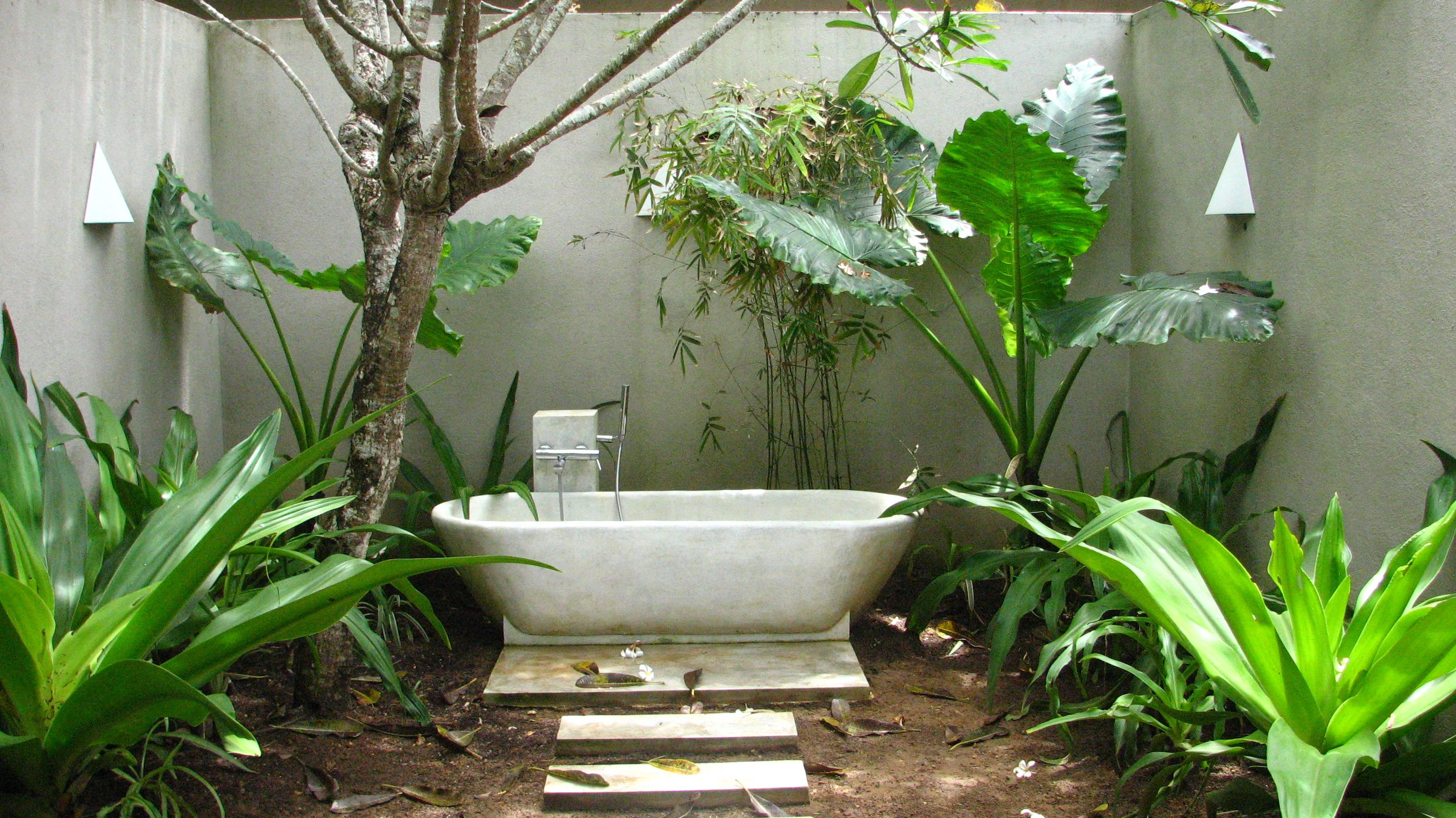 Outdoor Bathroom Outdoor Bathroom Design Outdoor Bathtub Outdoor Bathrooms