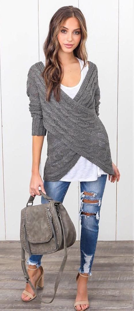 #fall #outfits Women's gray and white sweater and blue distressed jeans