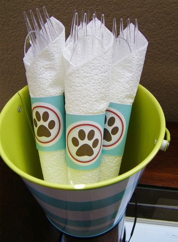 Once your pet can run around, throw a summer BBQ with your dog lover friends and use these napkin holders.