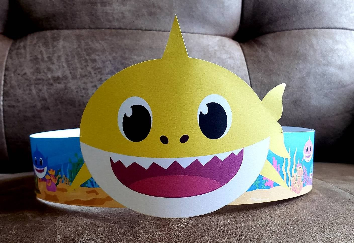 Baby Shark Yellow Paper Crown Printable Crown Template | Etsy | Baby shark,  Paper crowns, Shark baby costume