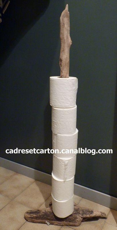 Parce Que Les Toilettes Les Cadres Et Meubles En Carton De Vero Woonaccessoires Decoration Salle De Bain Meuble En Carton Deco Toilettes Originales