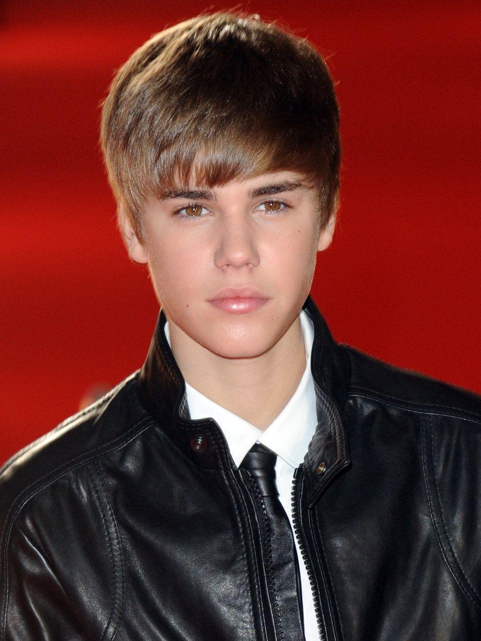Brit Awards 2011 Justin Bieber Black Leather Jacket Justin Bieber Photos Justin Bieber Black Justin Bieber [ 1290 x 968 Pixel ]
