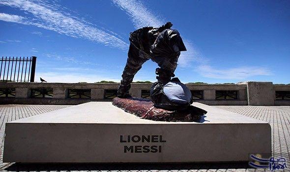 تمثال النجم ليونيل ميسي يتعرض للتخريب في تعرض أحد تماثيل النجم الأرجنتيني ليونيل ميسي في مدينة بوينوس آيرس للتخريب بقطع الرأس والذراعين